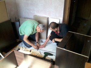 складання корпусних меблів